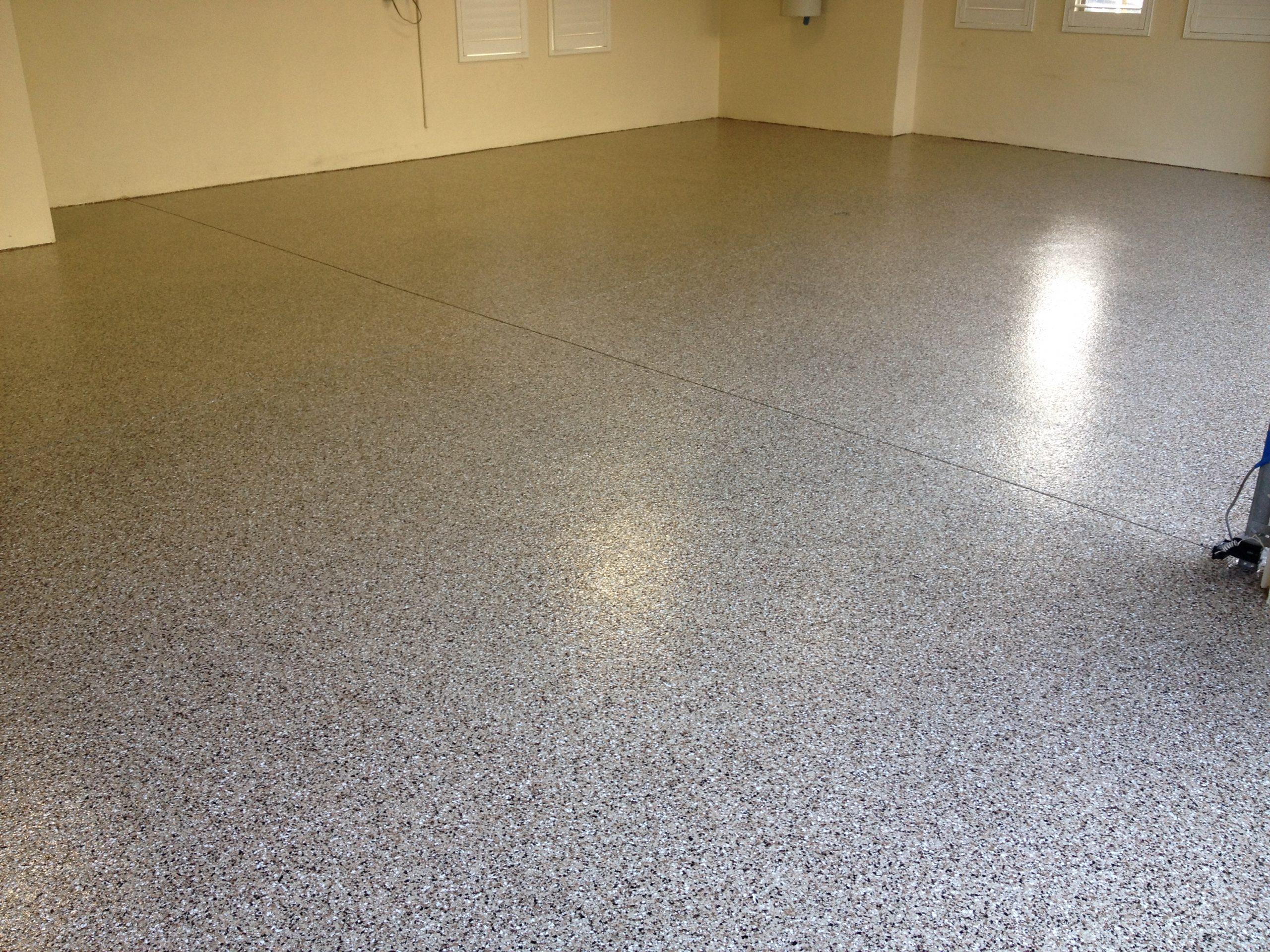 Garage Doctors Easy Clean Flooring in Florida Platinum-Flake-Epoxy